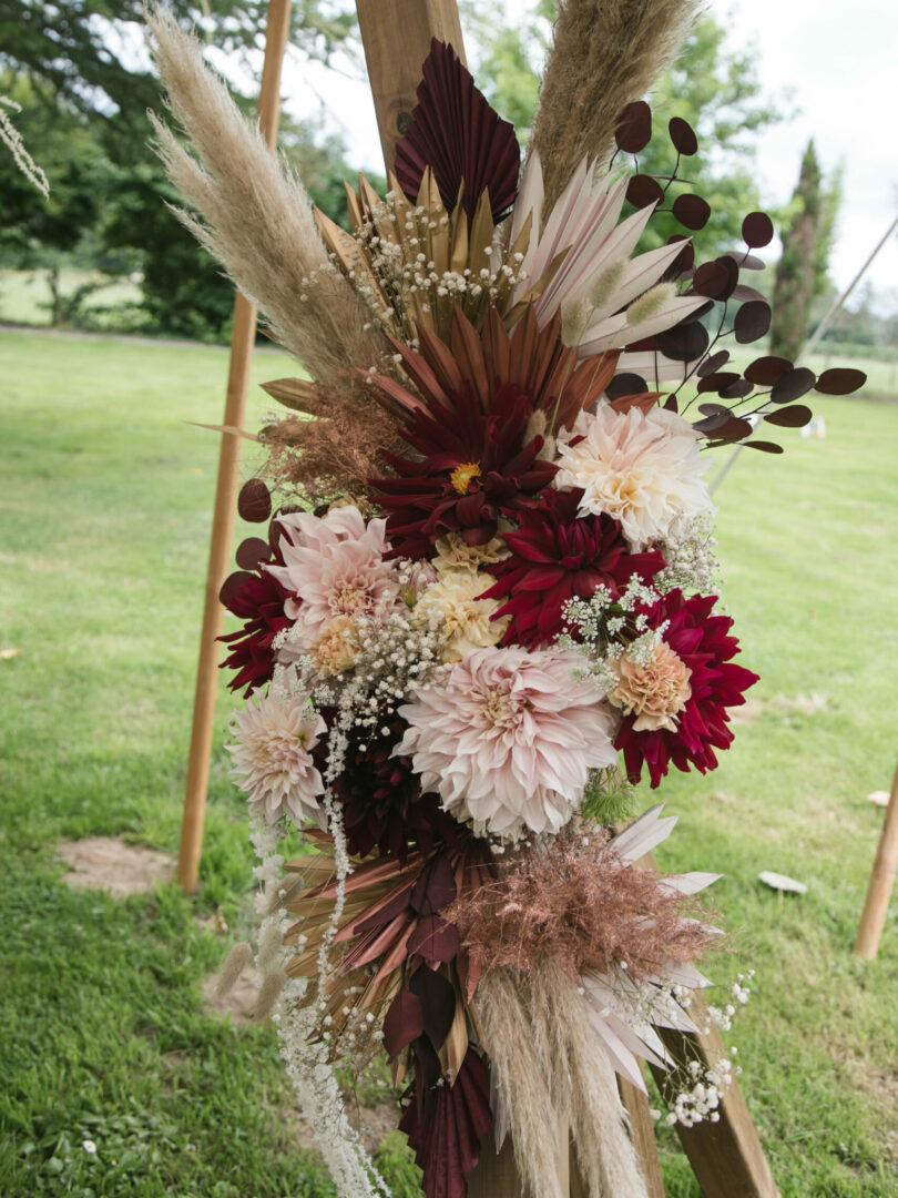 Composition fleurs fraiche et fleurs séchées Mariage Un Brin Nomade